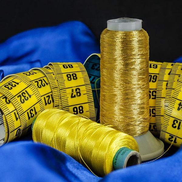 Opravy oděvů-šití bytového textilu